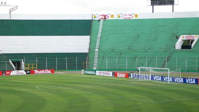 Estádio Ramon Aguilera, em Santa Cruz de la Sierra (Foto: Eduardo Cecconi/Globoesporte.com)