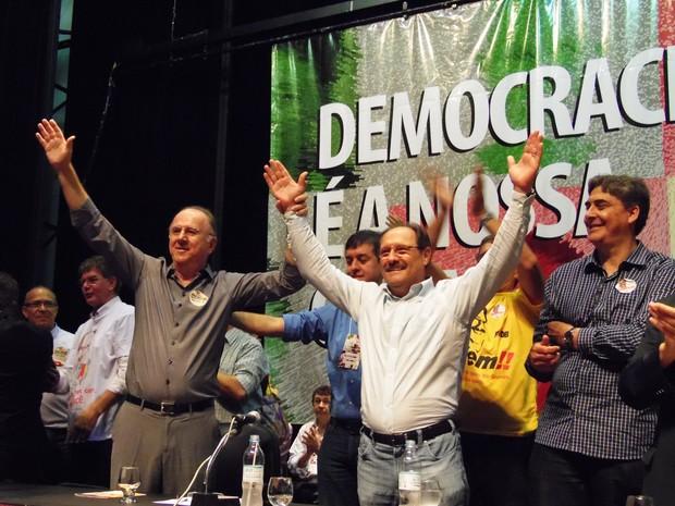 José Ivo Sartori é eleito pré-candidato ao governo do RS em pré-convenção do PMDB (Foto: João Laud/RBS TV)