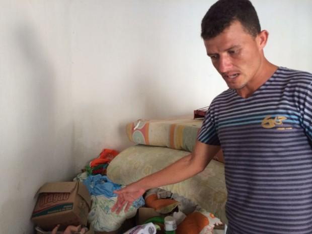 Ronaldo mostra a casa em que vivia com a família (Foto: Michelle Farias/G1)
