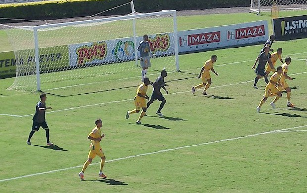Lance do amistoso Mirassol 2 x 1 Marília (Foto: Divulgação/Marília)