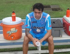 Alex William deve ser o grande articulador do meio-campo bicolor (Foto: Gustavo Pêna/GLOBOESPORTE.COM/PA)