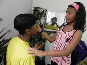 Pai e filha têm diálogo aberto e amizade (Foto: Amanda Monteiro/ G1 ES)