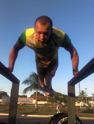 Paratleta Rogério Lima treina em Porto Velho (Foto: Shara Alencar/GLOBOESPORTE.COM)