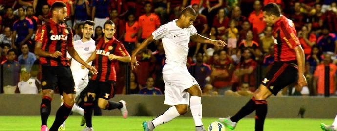 Lance de jogo Sport x Santos (Foto: Estadão Conteúdo)