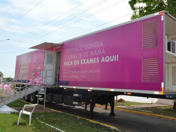 Carreta do Hospital de Câncer chegou em Cacoal na manhã desta terça-feira (4) (Foto: Magda Oliveira/G1)