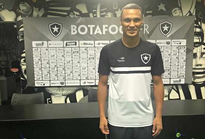 Emerson Silva, Botafogo (Foto: Thiago Lima)