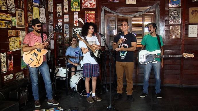 Banda Cidade Dormitório traz o estilo underground para o quadro 'Levando um Som' (Foto: TV Sergipe)
