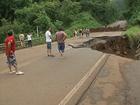 Chuva em SC bloqueia rodovias e deixa outras 5 em meia pista