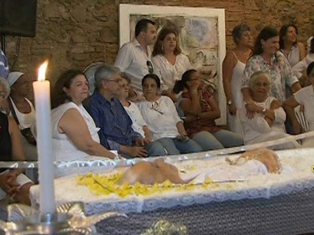 corpo de dona cano é velado (Foto: Reprodução/TV Bahia)