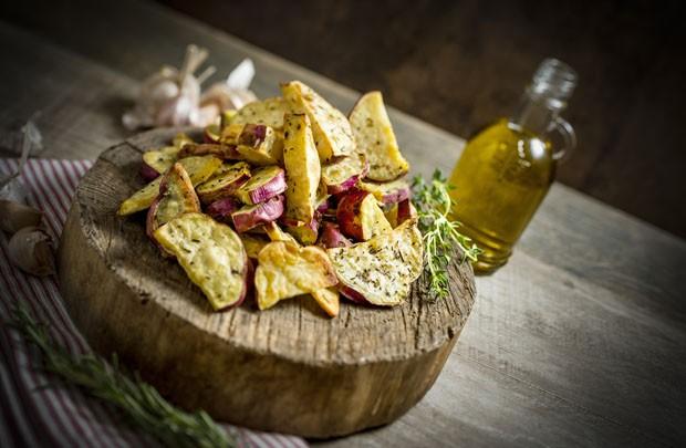 receita de batata doce rústica (Foto: Tadeu Brunelli/Divulgação)