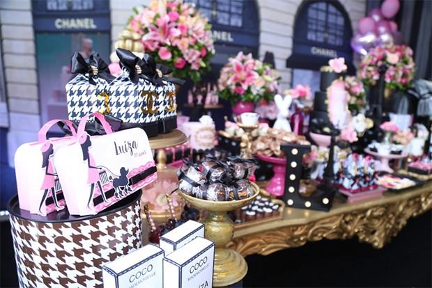 Detalhes da decoração da festa (Foto: Anderson Borde/ AgNews)