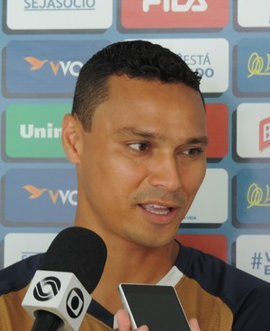 Zagueiro Emerson Avaí (Foto: Diego Madruga)
