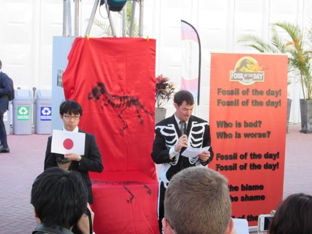 """Japão foi escolhido para receber o prêmio irônico """"Fóssil do dia"""" (Foto: Eduardo Carvalho/G1)"""