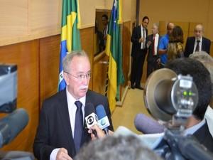 Presidente da Assembléia Legislativa fala sobre subvenções (Foto: Tássio Andrade/G1)