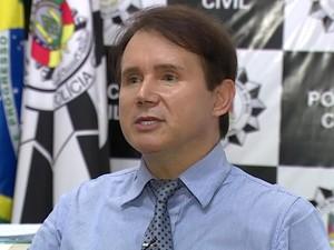 Delegado que investiga morte de adolescente em sala de aula suspeita de ciúmes (Foto: Reprodução/RBS TV)