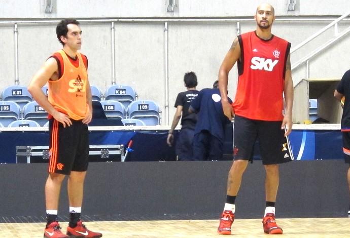 Benite e Marquinhos, Treino Flamengo Basquete (Foto: Thales Soares)