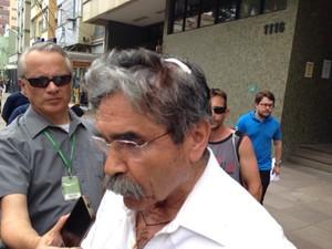 olívio dutra agredido ex governado rs (Foto: Daniel Favero/G1)