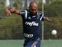Homem de confiança, Alecsandro vira curinga de Cuca no Palmeiras