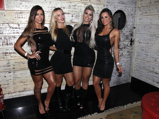 Muri Rodrigues, Juliana Valcézia, Janaina Santucci e Fernanda D'Avila em festa em São Paulo (Foto: Celso Tavares/ EGO)