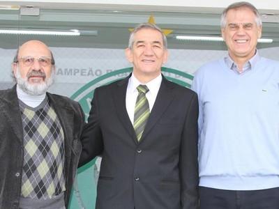 Toninho é aclamado segundo vice-presidente do Coritiba (Foto: Divulgação Coritiba)