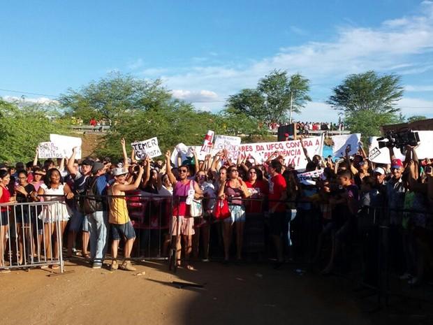 Protesto contra Michel Temer, em Monteiro, PB (Foto: Artur Lira\G1)