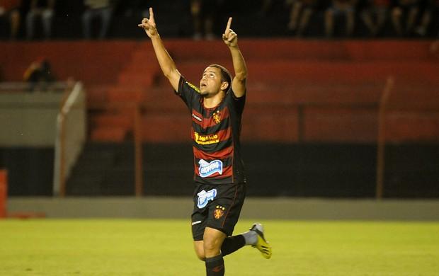 sport x serra talhada felipe azevedo (Foto: Antônio Carneiro / Pernambuco Press)