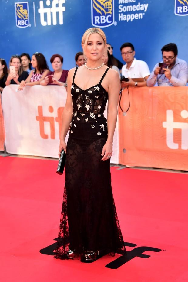 Kate Hudson em première no festival de cinema de Toronto, no Canadá (Foto: Alberto E. Rodriguez/ Getty Images/ AFP)