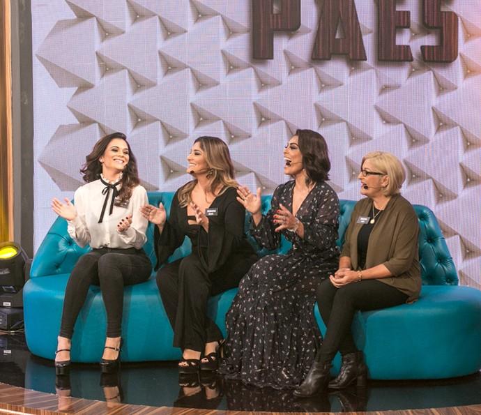 Juliana Paes com duas irmãs e a mãe no 'Tamanho Família' (Foto: Isabella Pinheiro / Gshow)