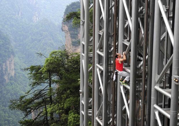 Casanova realizou a proeza em 68 minutos e 26 segundos (Foto: China Daily/Reuters)
