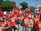 Servidores públicos federais fazem novo protesto no Centro de Manaus