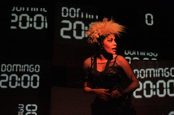 Carol Kahlo assina, dirige e atua em monólogo (Foto: Divulgação)