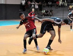 Partida de futsal sendo disputada no Ginásio Giuoberto Alves, em São Luís-MA (Foto: Biaman Prado/Divulgação)