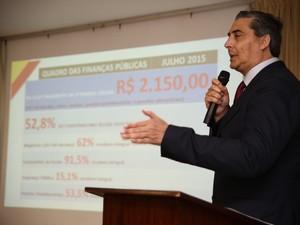 Secretário da Fazenda, Giovani Feltes, anunciou os detalhes do parcelamento dos salários dos servidores (Foto: Daniela Barcellos/Palácio Piratini)