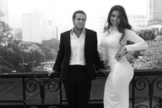 Andressa Ferreira e Thammy posam para ensaio especial de Dia dos Namorados  (Foto: Iwi Onodera / EGO)