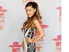 Ariana Grande é processada por uso indevido de frase em música