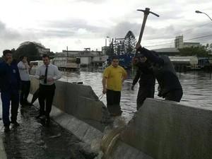 Chuva causa transtornos na BR-116, em Esteio, RS (Foto: Leandro Ireno/Arquivo Pessoal)
