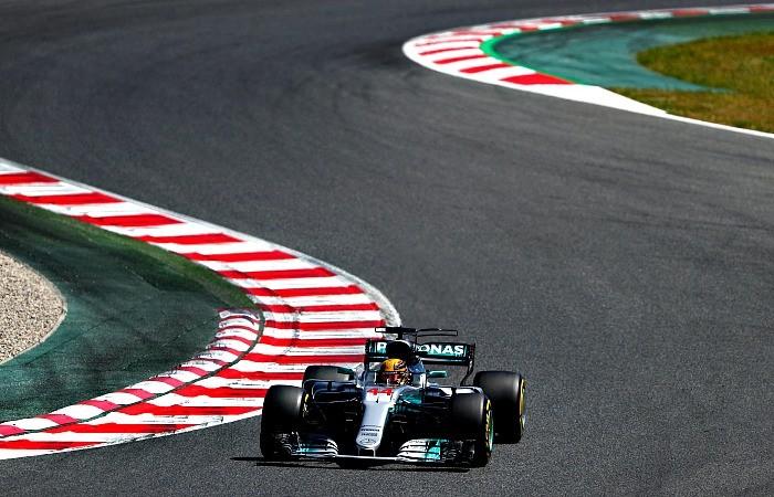 Lewis Hamilton é pole do GP da Espanha