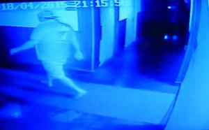 Câmera de segurança do hotel mostra lutador de jiu-jítsu no corredor (Foto: Gustavo Arakaki/TV Morena)