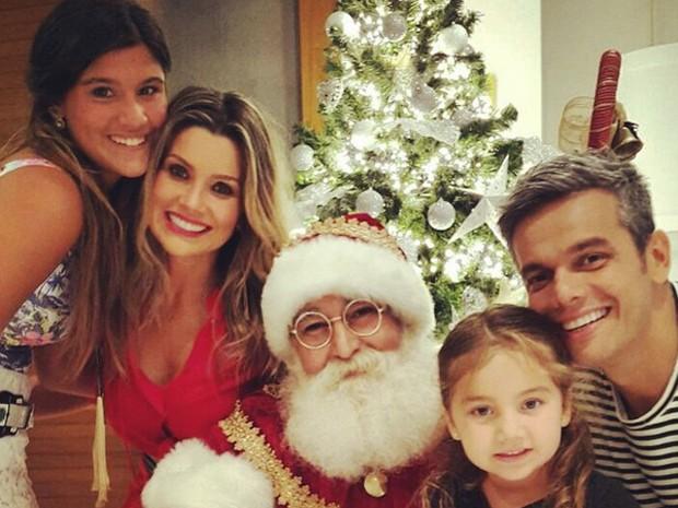 Otaviano Costa e Flávia Alessandra com as filhas Giulia e Olívia (Foto: Arquivo pessoal)