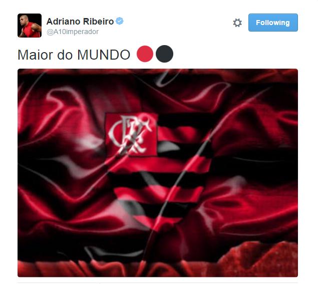 Adriano comemora vitória do Flamengo