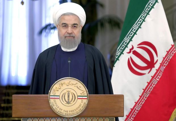 O presidente do Irã, Hassan Rohani, durante conferência neste sábado (27) na Suíça (Foto: Raheb Homavandi/Reuters)