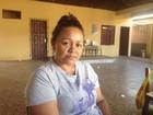 'Não consigo comer e nem dormir', diz mulher que perdeu casa em incêndio