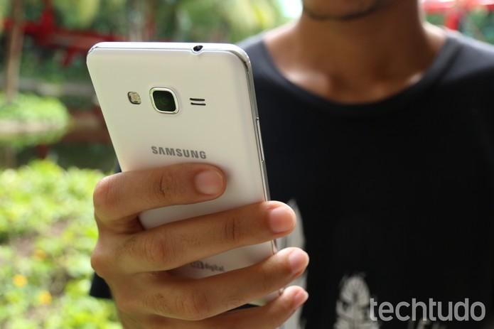 Galaxy Gran Prime oferece uma câmera selfie melhor, com 5 MP (Foto: Lucas Mendes/TechTudo)