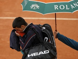 Novak Djokovic tênis Roland Garros final chuva (Foto: Reuters)