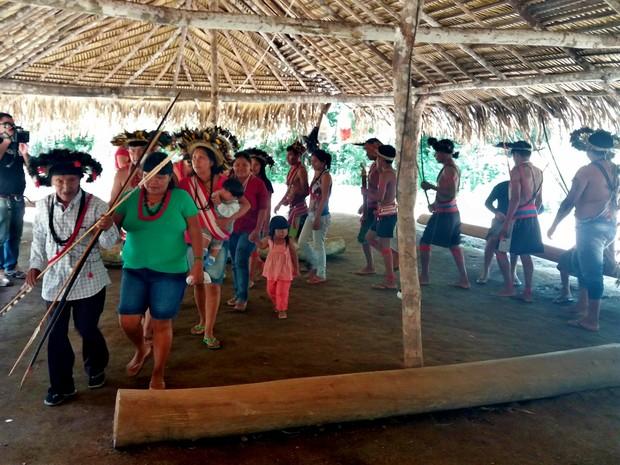 Ritual ocorreu na Terra Sete de Setembro (Foto: Fernanda Bonilha/G1)