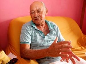Ciro Félix precisa fazer hemodiálise enquanto não consegue doador de rim (Foto: Carlos Sodré / Agência Pará)