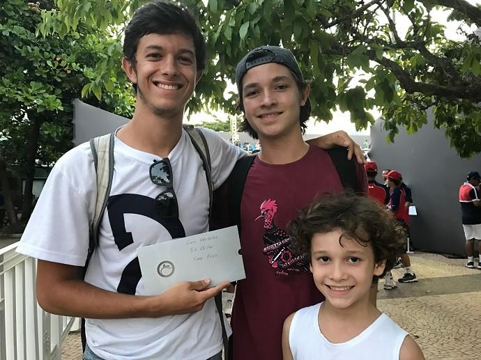 BLOG: Brasileiros tietam norueguês e ganham ingressos para box do tenista no Rio Open