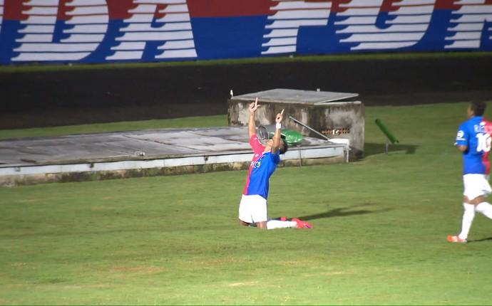 paraná clube gol lucio flavio (Foto: reprodução RPC)