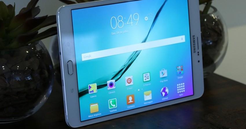 84e9913c8 Companhia conta com aparelhos que custam cerca de R  1 mil. Há 3 anos  Mobile. Galaxy Tab A e Galaxy Tab E  novos tablets da Samsung chegam ao  Brasil