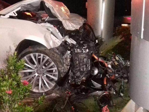 Motorista atropelou motociclista e depois bateu em outro carro (Foto: PRF-CE)